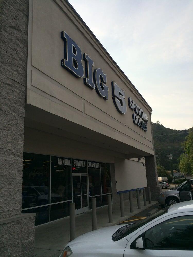 Big 5 Sporting Goods: 2655 NW Stewart Pkwy, Roseburg, OR