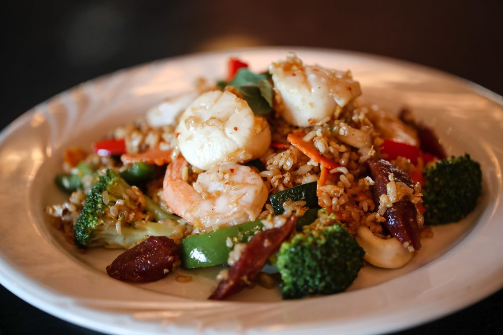 White Orchids Thai Cuisine: 2985 Center Valley Pkwy, Center Valley, PA