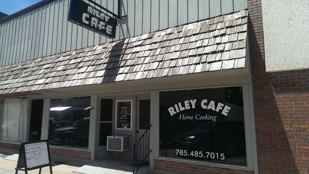Riley Cafe: 205 S Broadway St, Riley, KS
