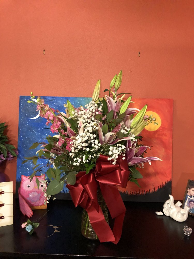 Lexington Florist: 1100 W Main St, Lexington, SC
