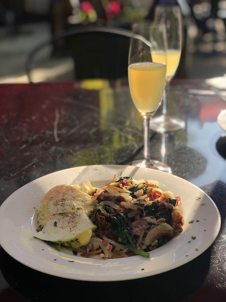 Johnny's Restaurant & Bar: 1457 Lincoln Ave, Calistoga, CA