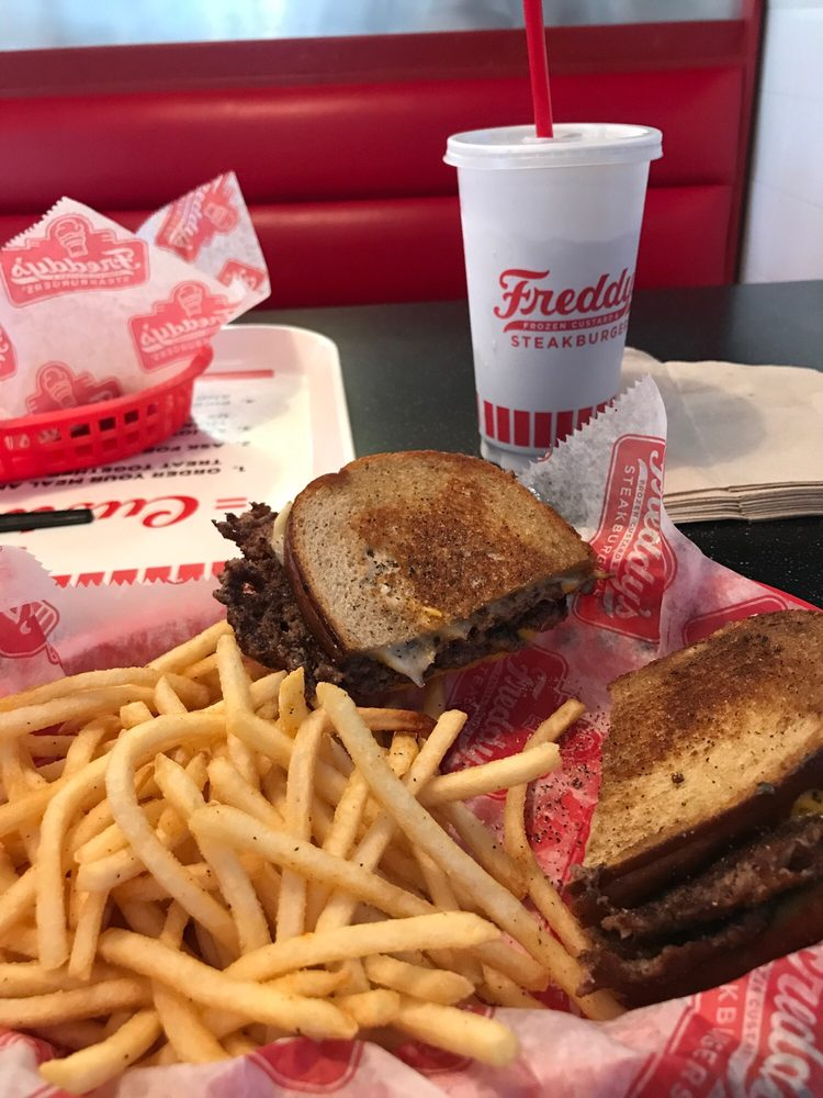 Freddy's Frozen Custard & Steakburgers: 2702 Southwest Blvd, San Angelo, TX