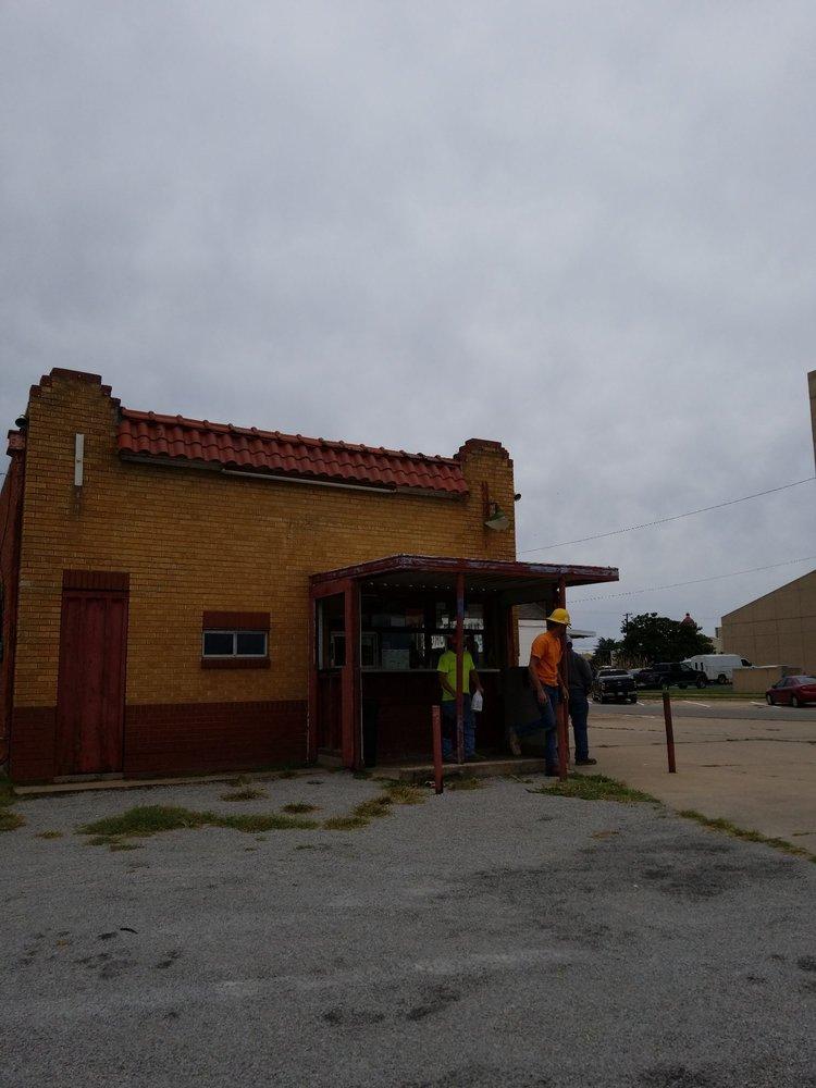 Jim's Jumbo Burger: 220 S 4th St, Ponca City, OK