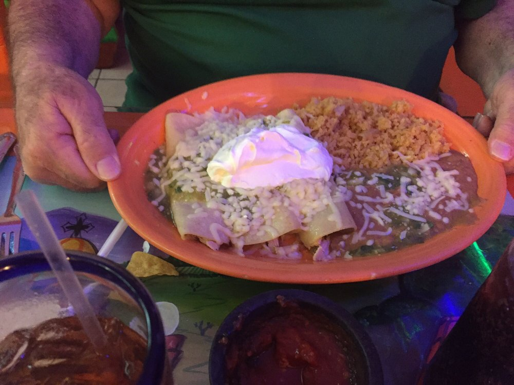 Atzimba Mexican Restaurant: 469 Mulberry Ave, Selmer, TN