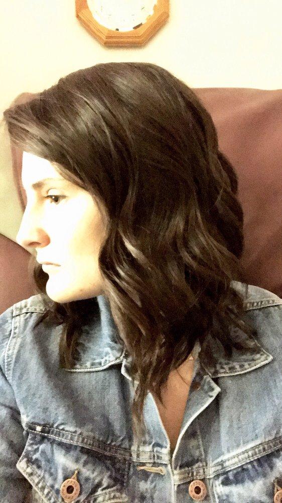 Turning Heads Beauty Salon: 357 Z Hwy, Saint Robert, MO