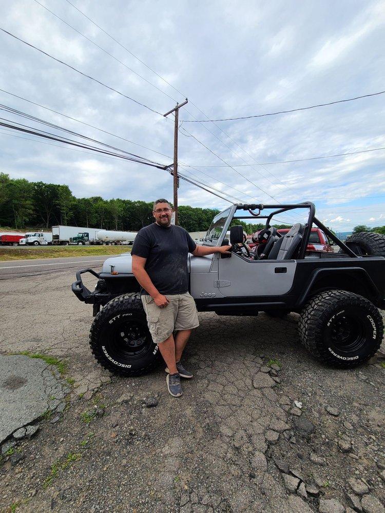 Bill Shaheen Auto Body: 484 Scranton Carbondale Hwy, Jerymn, PA