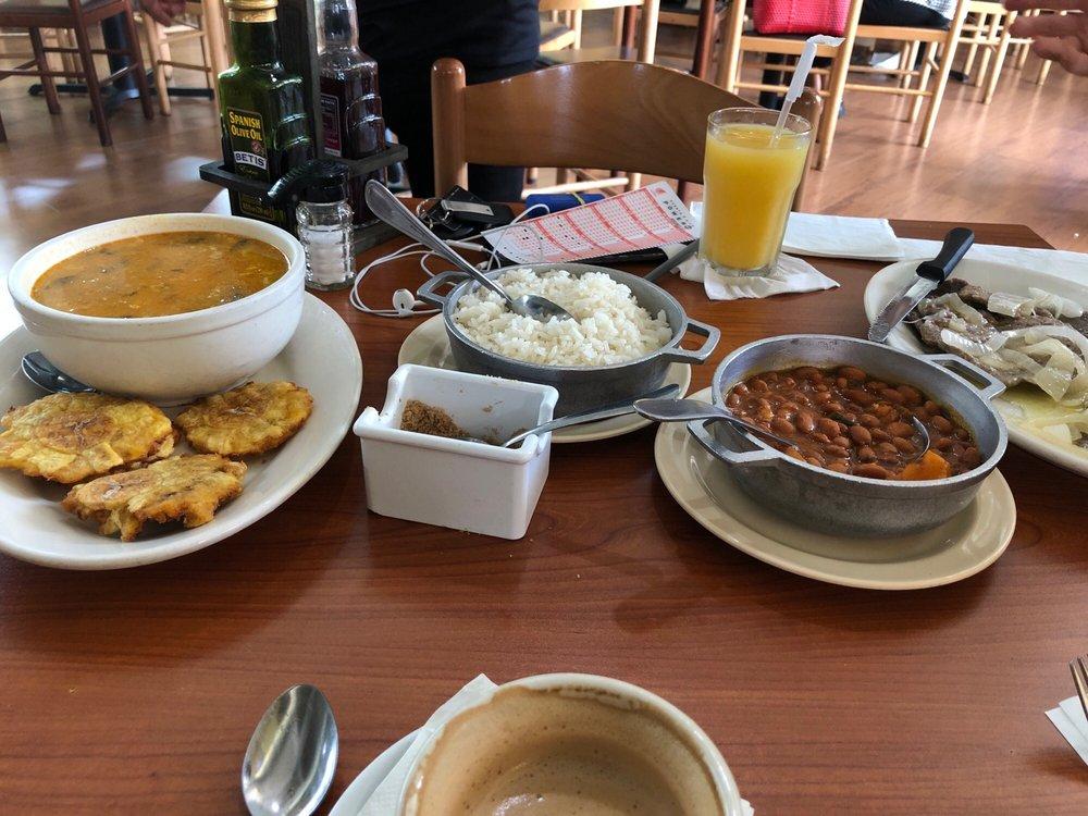 Restaurante Doña Ana: El Mercado, Avenida Ramón Luis Rivera, Bayamón, PR