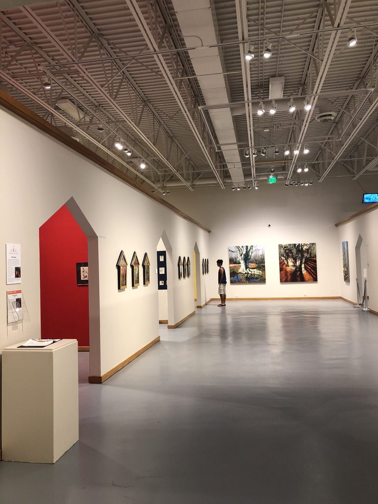 Nicolaysen Art Museum & Discovery Center: 400 E Collins Dr, Casper, WY