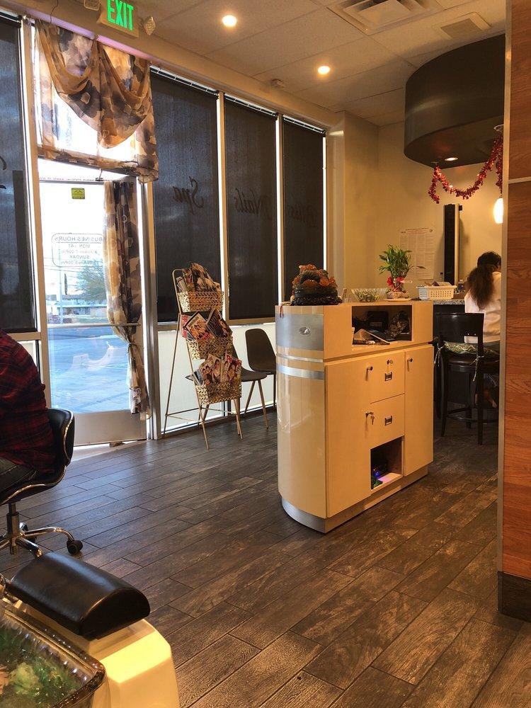 Bliss nail spa 143 foto e 125 recensioni manicure for 50th avenue salon quartz hill ca
