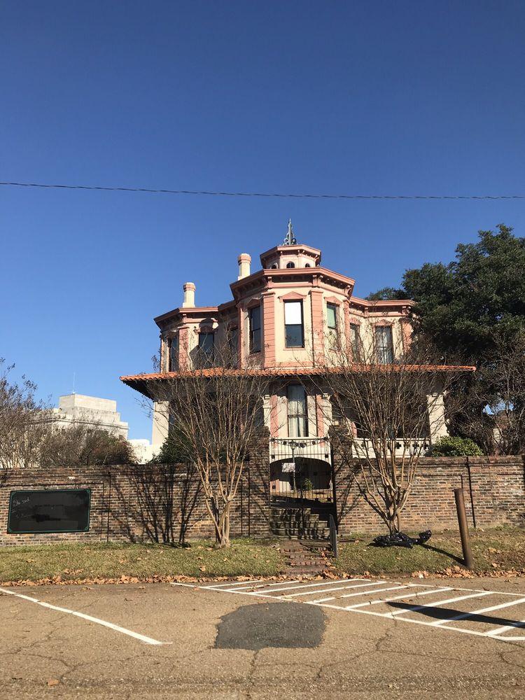 Ace of Clubs House: 420 Pine St, Texarkana, TX