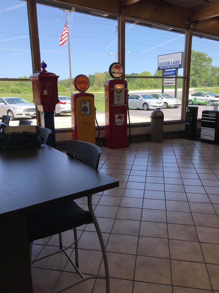 Silver Lake Auto & Tire Centers: 36355 E Wisconsin Ave, Oconomowoc, WI