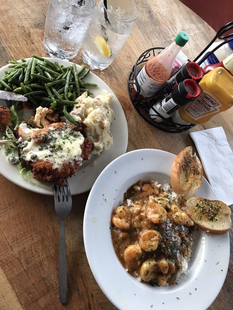 Cafe Nola: 400 E Nelson Ave, Defuniak Springs, FL