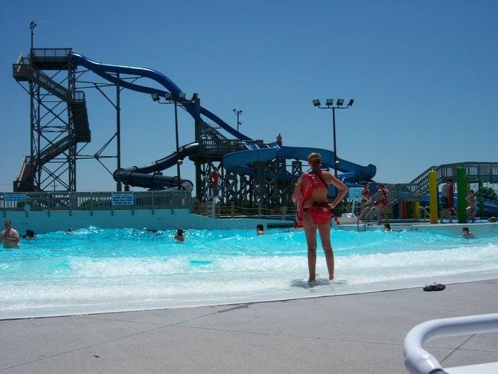 Island Oasis Water Park: 321 E Fonner Park Rd, Grand Island, NE