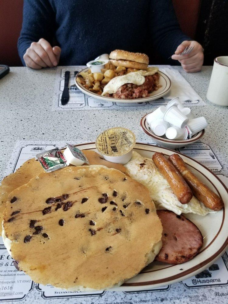 Wayside Restaurant & Bakery: 1873 US Rte 302, Montpelier, VT