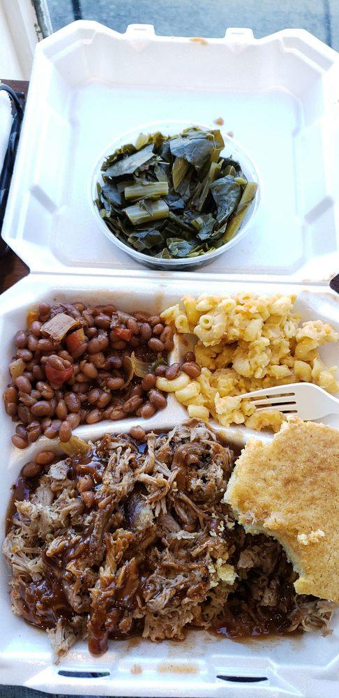 Po Green's Southern Food & BBQ: 1202 N Royal Ave, Front Royal, VA