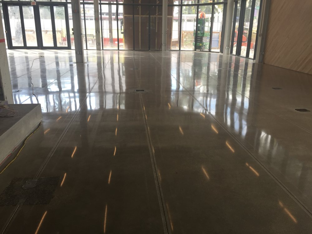 polished concrete floor at nike store in lincoln rd and