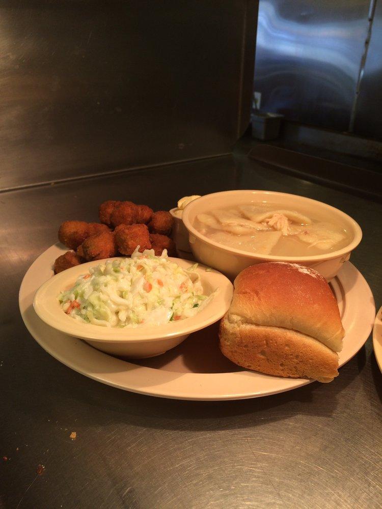 Chuck's BBQ: 1420 S Park Ave, Herrin, IL