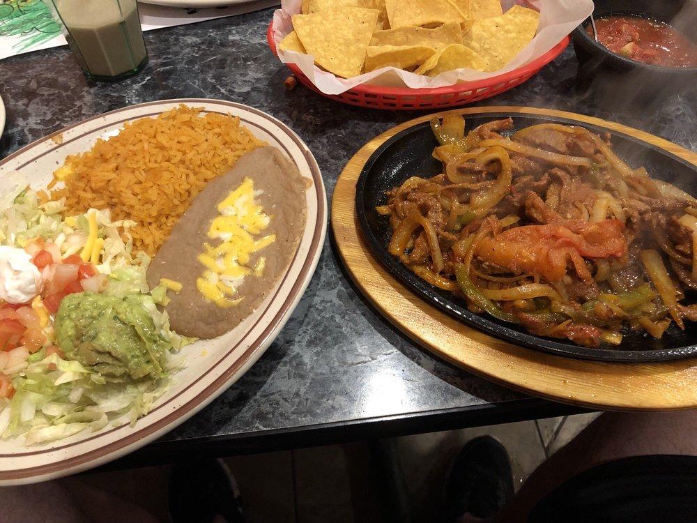 Herradura Family Mexican Restaurant: 965 E Frontage Rd, Litchfield, MN