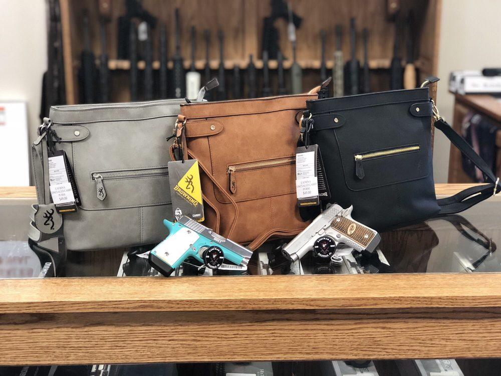 Kaufman's Gun Shop: 990 N Daleville Ave, Daleville, AL