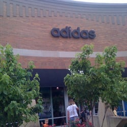 Adidas Factory Outlet Ropa deportiva 1811 Village W Pkwy, Kansas