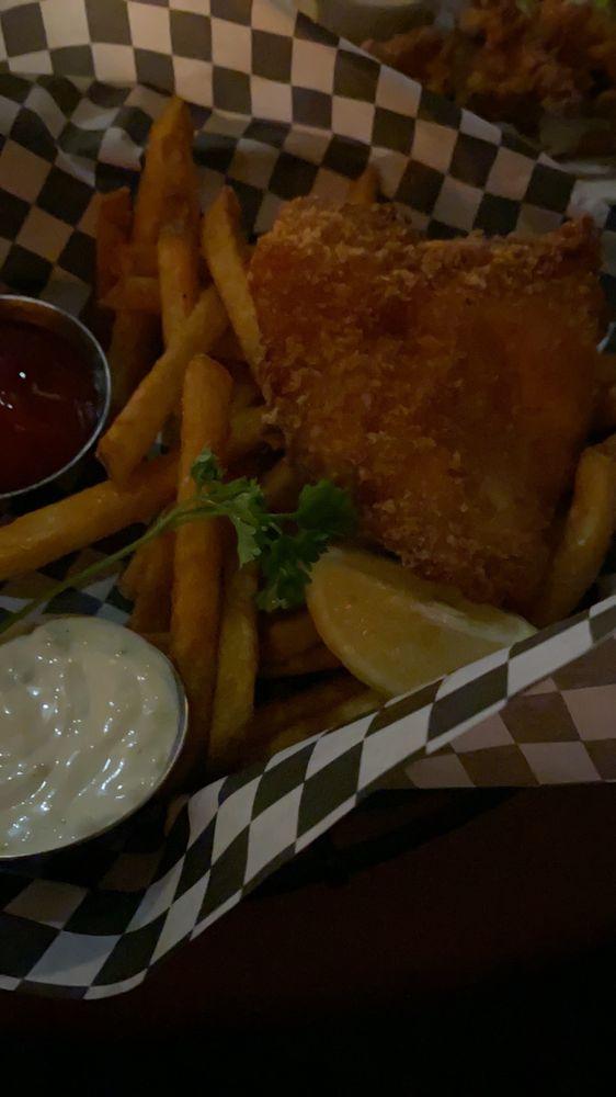 Razzals Bar and Grill: 9327 4th St NE, Lake Stevens, WA