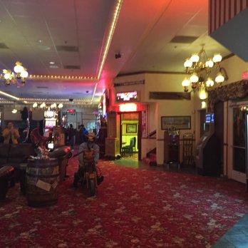 longstreet inn & casino