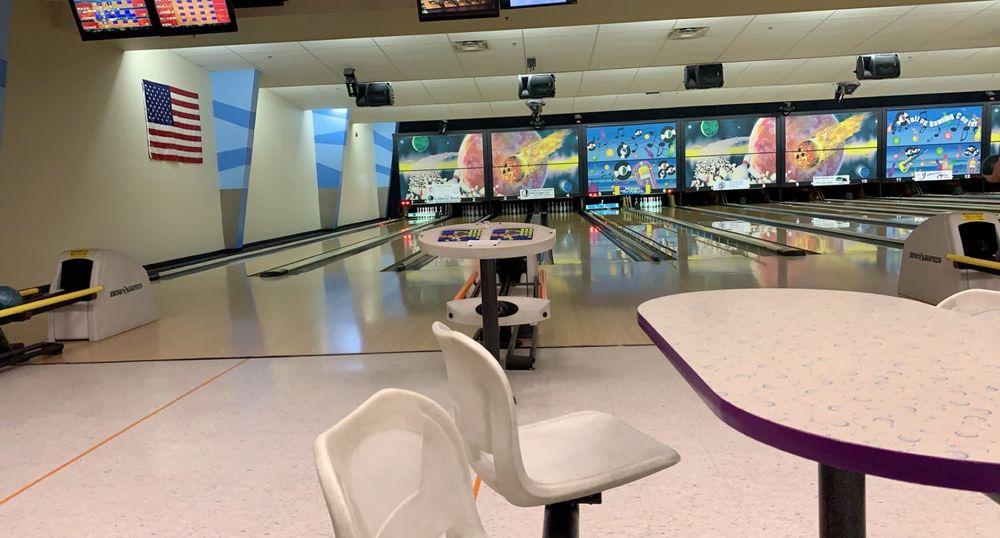 Fulton Bowling Center: 530 Commons Dr, Fulton, MO