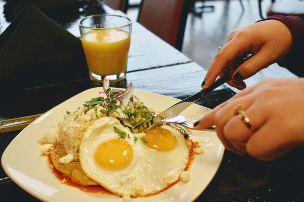 Chilakiles Restaurant: 5600 National Tpke, Louisville, KY