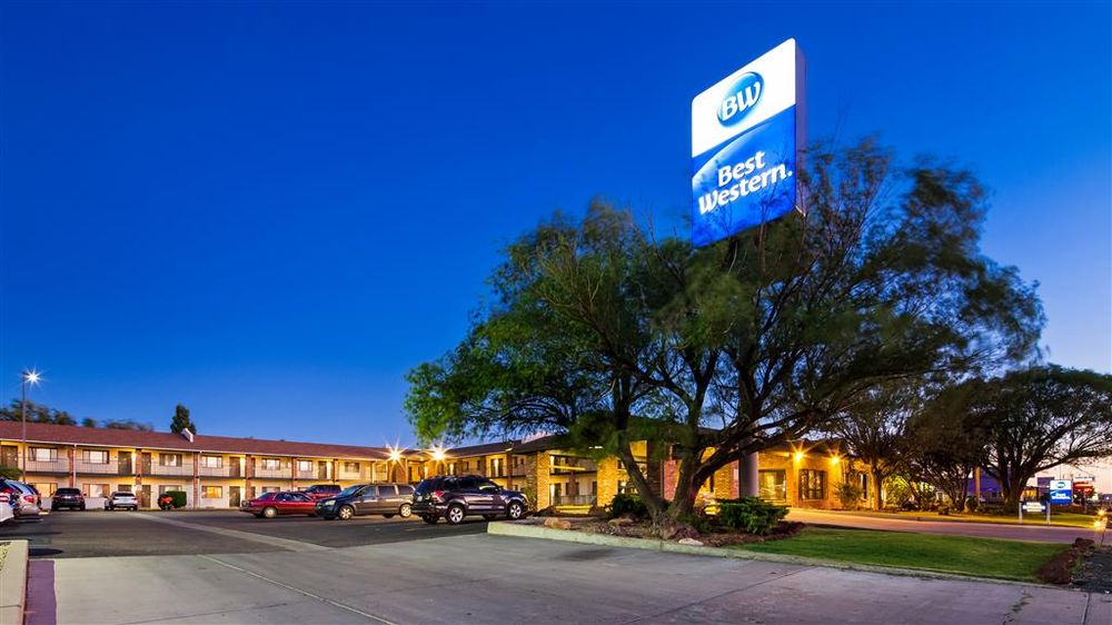 Best Western Arizonian Inn: 2508 Navajo Blvd, Holbrook, AZ