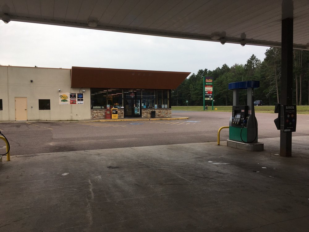 Pines Convenience Center: 15851 US Hwy 41 N, Baraga, MI