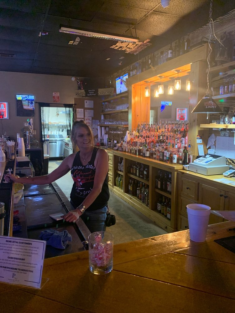 Twisted Sisters Pub & Grub: 8609 Cypress St, West Monroe, LA