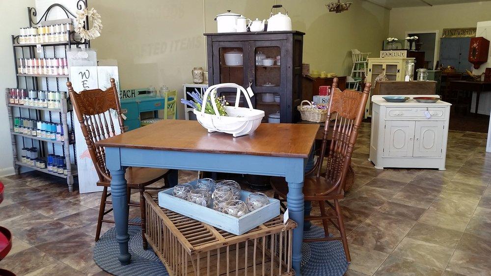 The Vintage Thistle: 4511 S Hopkins Ave, Titusville, FL