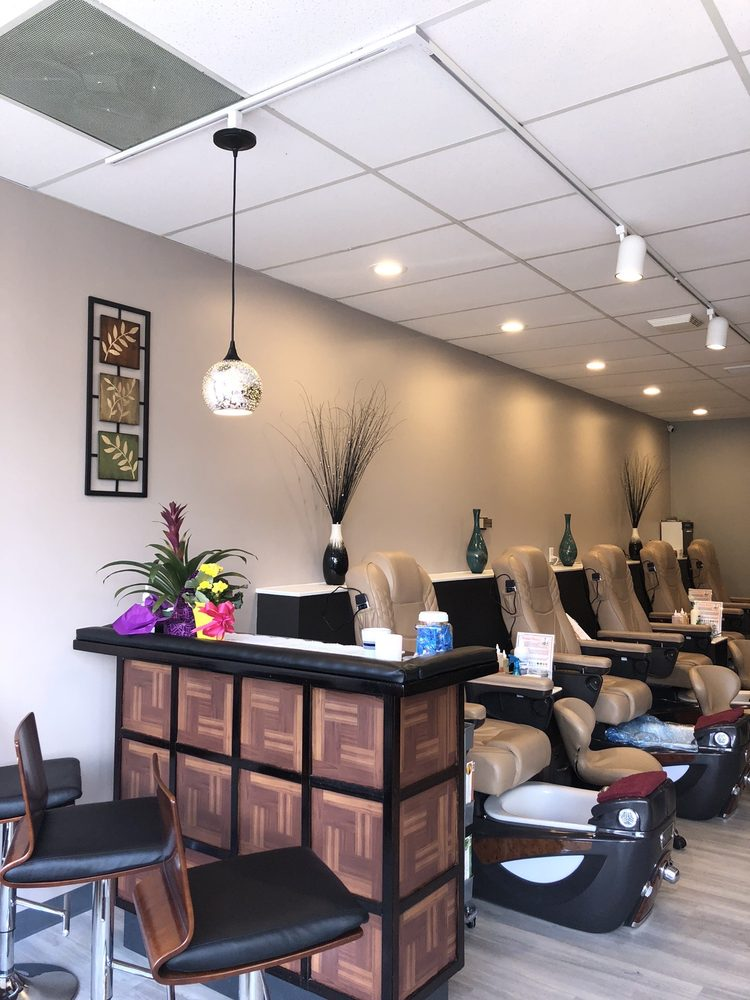 Angel Nails & Spa: 1825 N Eastman Rd, Kingsport, TN