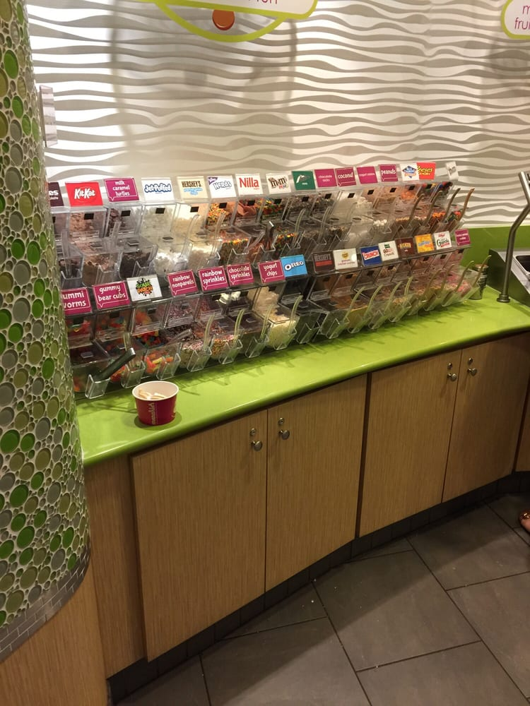 Menchie's Frozen Yogurt: 353 S Cedar Crest Blvd, Allentown, PA