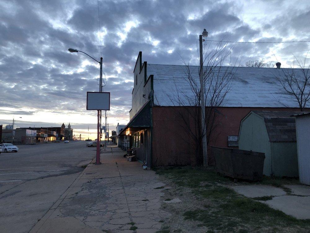 Stumpy's: 221 Evans Ave, Apache, OK