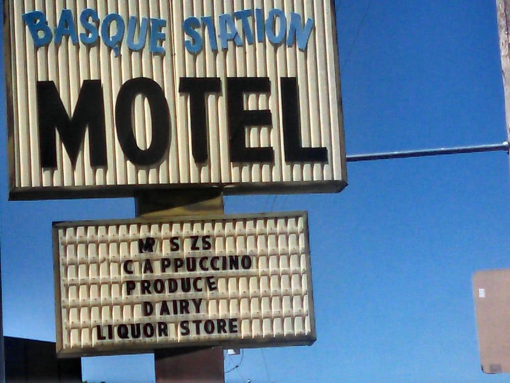 Basque Station Motel: 801 Main St, Jordan Valley, OR