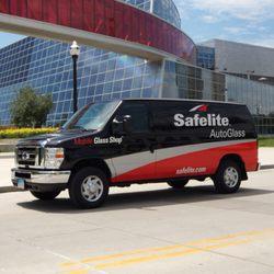 Safelite Autoglass Closed Windshield Installation Repair