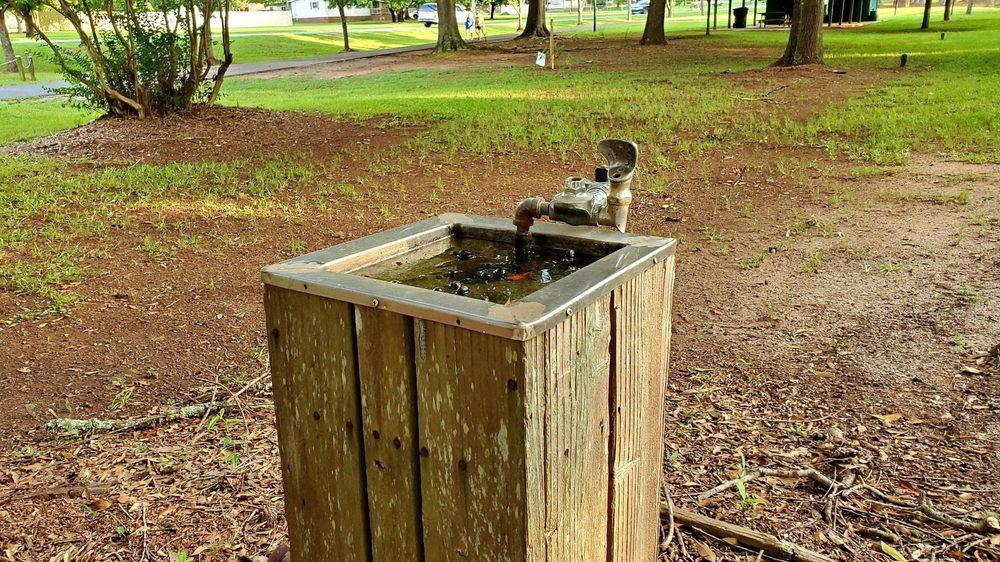 Walking Trail Pavilion: 5143 Williamson Zebulon Rd, Williamson, GA