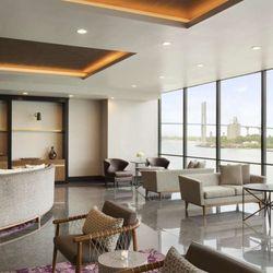 Vu lounge savannah