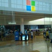 photo of microsoft store paramus nj united states - Apple Store Garden State Plaza