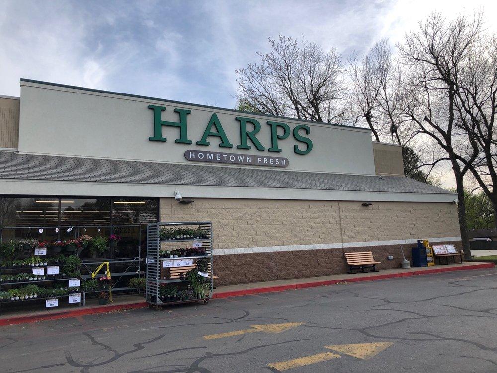 Harps Food Stores: 319 E Buchanan St, Prairie Grove, AR