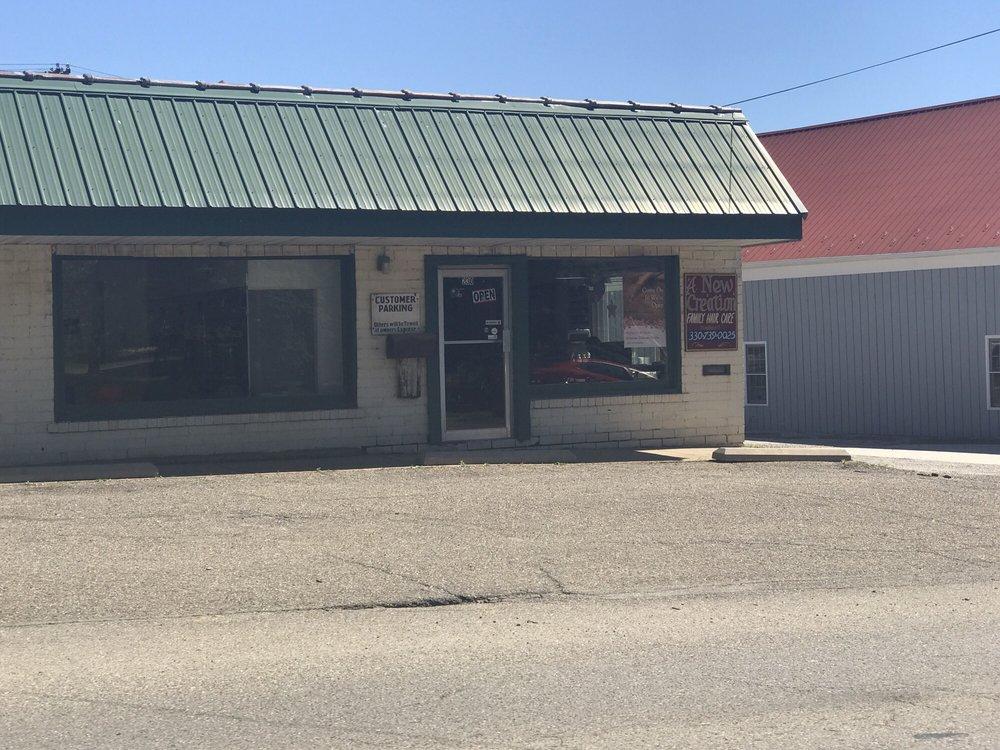 Kallie's Nail Studio: 230 W Main St, Carrollton, OH