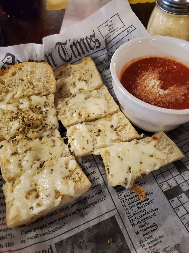 Michaels New York Style Pizza Clifton: 435 E Ridgeway St, Clifton Forge, VA