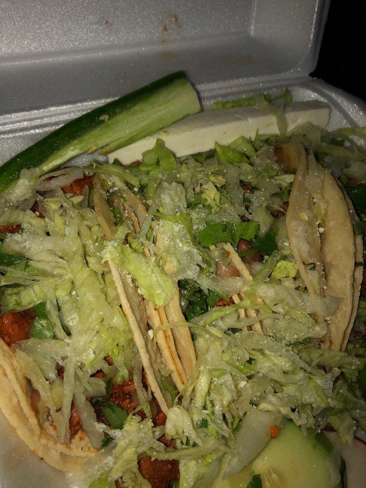 Tacos El Pelon II: 600 Yakima Valley Hwy, Sunnyside, WA
