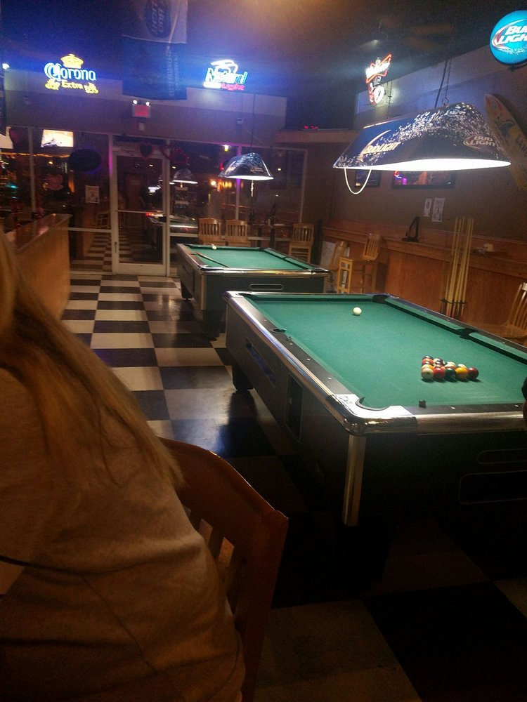 Twisted Owl Sports bar and Grill: 150 S Equity Dr, Smithfield, NC