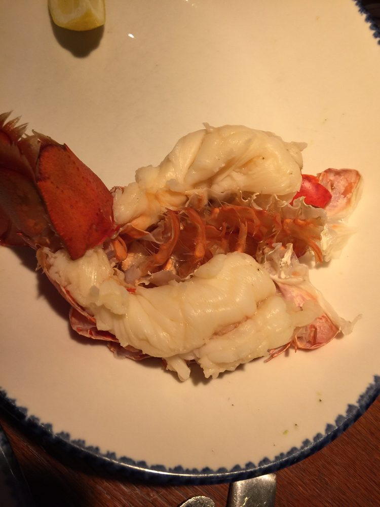 Red Lobster: 203 Three Rivers Dr, Kelso, WA