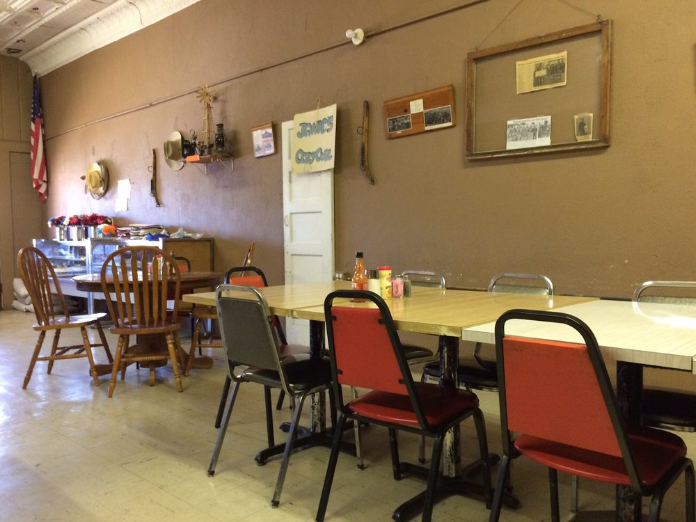 Hole In the Wall Cafe: 221 S Cosden Ave, Shidler, OK