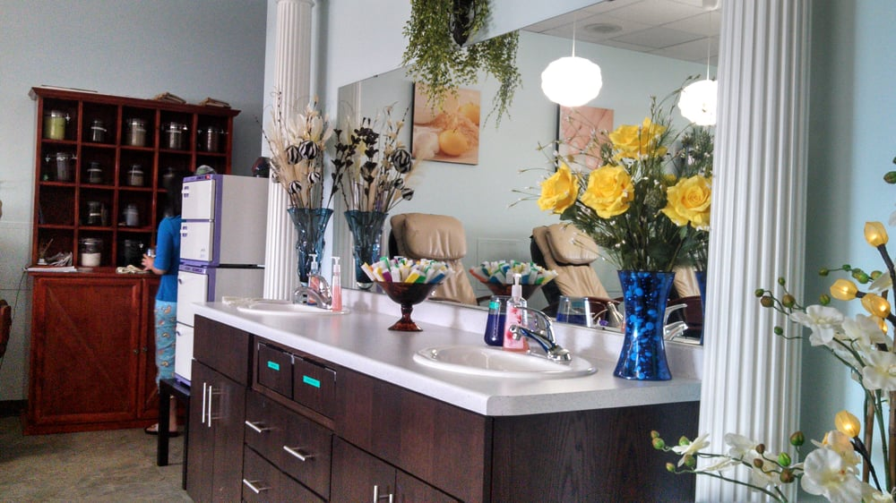 Herbal Spa & Nail: 2711 Commerce Dr NW, Rochester, MN