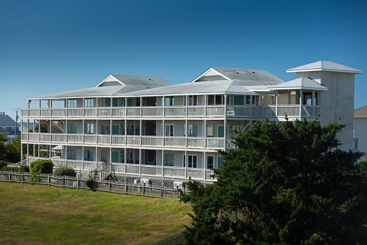 Atlantic Beach Resort: 715 W Fort Macon Rd, Atlantic Beach, NC