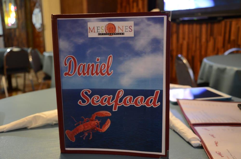 Daniel's: Calle Marina 7, Punta Santiago, PR